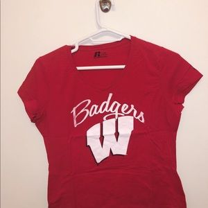 Short-sleeved v-neck red Wisconsin Badgers shirt